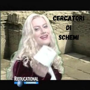 """Vulvia, alias Corrado Guzzanti, con accanto la scritta: """"cercatori di schemi"""""""